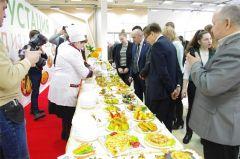 Для участников мероприятия была организована дегустация более 100 блюд из картофеля. Картофельный Манифест легко выращивать Хлеб насущный Картофель-2018
