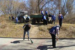 hd_4subbotnik.jpgДепутаты городского Собрания Новочебоксарска вышли на субботник экологический субботник