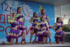 hd_67.jpgПраздничный концерт состоялся в День России в Новочебоксарске 12 июня — День России