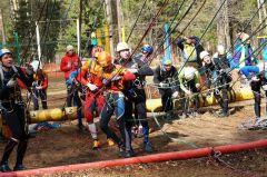 Команды преодолевают препятствия. Фото с сайта Минспорта ЧРВ одной связке спортивный туризм