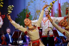 Концерт в Евпатории. Фото: cap.ruЧувашские артисты представили национальную культуру в крымской Евпатории дни чувашской культуры