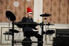 Мастер-класс по обучению игре на музыкальных инструментах.Семейный день в культурных центрах Новый год - 2020