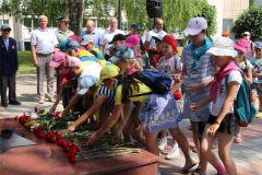 В День памяти и скорби в Новочебоксарске возложили цветы к Вечному огню 22 июня — День памяти и скорби