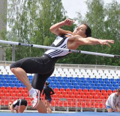 На арене многоборцы легкая атлетика
