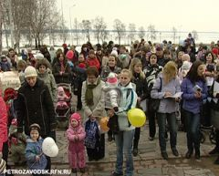Митинг матерей Молодая семья митинг Дети детсады Коррупция образование Крик души