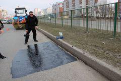 Ноу-хау для чебоксарских дорог: в Чебоксарах тестируют пропитки для асфальта #убитыедороги Ремонт дорог ямочный ремонт дорог Чебоксары