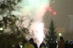 Новый год отметили фейерверком