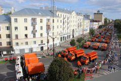 Парад спецтехники. Фото: cap.ruЧебоксарам - 550: более 150 машин приняли участие в параде спецтехники 550 лет Чебоксарам Чебоксары-550