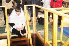 """Фото из архива редакции""""Я крещу вас в воде в покаяние"""" Крещение"""
