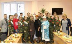 Чебоксарским школьникам вручили пригласительные на Кремлевскую ёлку