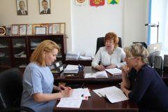 Новочебоксарск посетила Уполномоченный по правам ребенка в Чувашии Елена Сапаркина