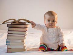 Наблюдайте за интересами ребенка, живите вместе, а не параллельно — советуют психологи и педагоги. Тогда будет несложно увидеть его способности. Фото kakprosto.ruРано или наперегонки? Разбираемся, какие навыки важно развивать у детей с рождения