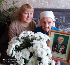 Юбиляр со снохой.Жительница Новочебоксарска Нина Петровна Филиппова отметила 95-летие юбиляры