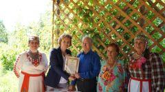 izumrudnaia_svadba.jpg«Изумрудную» свадьбу отметили супруги Николаевы из Новочебоксарска