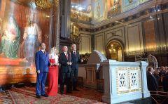 Путин поздравил россиян с Пасхой