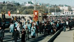 В Чебоксарах прошел Крестный ход в честь Казанской Богоматери