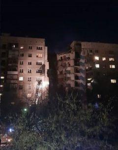 Обрушение подъездаВ Магнитогорске при взрыве газа обрушился подъезд дома взрыв газа