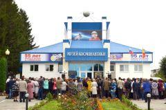 mar_0786_4.jpgВ Чувашии отметили 88 лет со дня рождения Андрияна Николаева Андриян Григорьевич Николаев