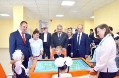 mar_9711_1.jpgВ Чебоксарах открылась первая за последние 10 лет школа (фото) Глава Чувашии Михаил Игнатьев