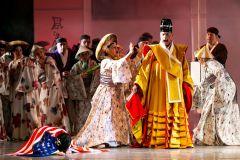 Японский священник проклинает племянницу за вероотступничество. Фото Сергея МихайловаО торжестве любви и Чио-Чио-сан XXVIII Международный оперный фестиваль