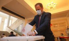 Игорь Комаров принял участие в Общероссийском голосовании по поправкам в Конституцию РФ Поправки в Конституцию