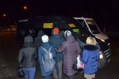 """На """"Каблучке"""" втиснуться в маршрутку очень сложно.Новочебоксарские маршрутки:  вовремя уедут не все! Транспортные страсти"""