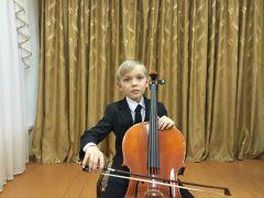 nikolaev_stepan.jpgЮный виолончелист из Новочебоксарска — победитель Международного конкурса «Cello-Bass-2017» Cello-Bass-2017