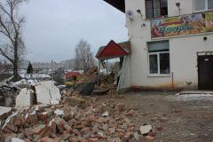 Фото МЧС ЧувашииВ Чебоксарах обрушилась стена дома. Людей вовремя эвакуировали обрушение МЧС Чувашии
