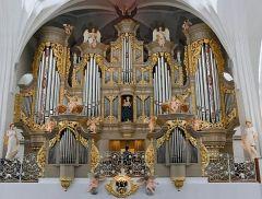 Кафедральный собор является и концертной площадкой. В соборе находится один из самых крупных органов в России и Европе.Давай вернемся в Калининград! Тропой туриста Путешествуем по России Кенигсберг Кант Калининград