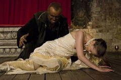 Классическое поведение ревнивца глазами Шекспира: Отелло убивает Дездемону. Ревность. Разбитую чашку не склеить Семейный разговор Ревность.