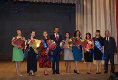 «Самым классным классным-2017» стала Елена Порфирьева из новочебоксарского  лицея  № 18 Учитель года