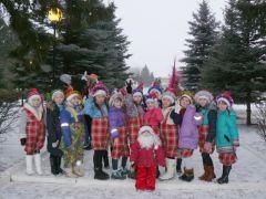 В Музее космонавтики прошел Парад Дедов Морозов и Снегурочек