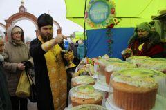 На Соборной площади Новочебоксарска развернулась пасхальная ярмарка