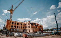 СтроительствоНовый корпус детсада в Аликовском районе обещают достроить до конца 2021 года детский сад