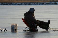 Рыбак вмерз в лед на Волге в Самарской области