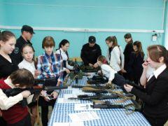 politsiia.jpgПолицейские показали «класс» новочебоксарцам  Новочебоксарск Классный полицейский Дети Безопасность Акция