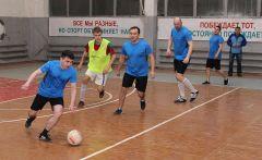 """Приставка """"мини"""" в этом спорте никак не отличает его от большого футбола: эмоции на должном уровне.Возрождая традиции Химпром"""