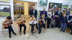 radugha_vystavka_2.jpgВ чебоксарском КВЦ «Радуга» открылась выставка новочебоксарской художницы Марии Любимовой Радуга Выставка
