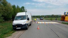 В усиленном режиме. Фото: cap.ruРаботы по нанесению разметки на дорогах Чувашии выполнены на 50% дорожная разметка