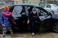 Ребятишкам очень понравилось кататься на этих автомобилях.Помочь детям нетрудно,  нужно лишь желание Я - волонтер