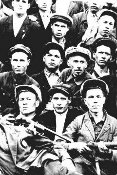 Ворошиловские стрелки в 1941-м ушли на фронт.Шумерля: в тылу как на фронте Город трудовой доблести 75 лет Победе