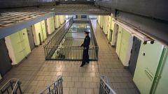 СИЗО-2 (Цивильск)В цивильском СИЗО покончил жизнь самоубийством сотрудник охраны - он выстрелил себе в шею СИЗО самоубийство