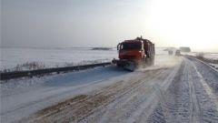 На региональной сети дорог, несмотря на неблагоприятные погодные условия, не было допущено перебоев в движении транспорта снегопад