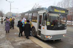 Фото Мария СМИРНОВАБанкротства троллейбусного  не допустят? троллейбусы