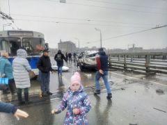 """Фото автопортала forum.zarulem.wsНа перекрестке у """"Дома мод"""" произошло серьезное ДТП ДТП авария"""