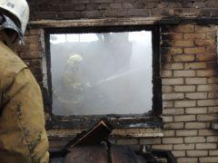 vgvyLpqh99-800x600.jpgВ Чебоксарах в пожаре погибли мать и три дочери происшествие пожар Чебоксары