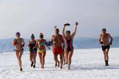 Фото: прибайкальцы.рфВпервые на заливе пройдет забег в купальниках и плавках Новый год-2018