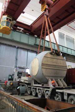 На Чебоксарскую ГЭС доставили 70-тонный корпус рабочего колеса очередной реконструированной турбины Чебоксарская ГЭС