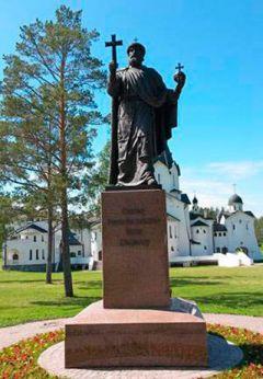 На Валааме установлен памятник святому равноапостольному князю Владимиру