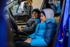 Воспитанники школы-интерната почувстовали себя водителями иномарок.Помочь детям нетрудно,  нужно лишь желание Я - волонтер